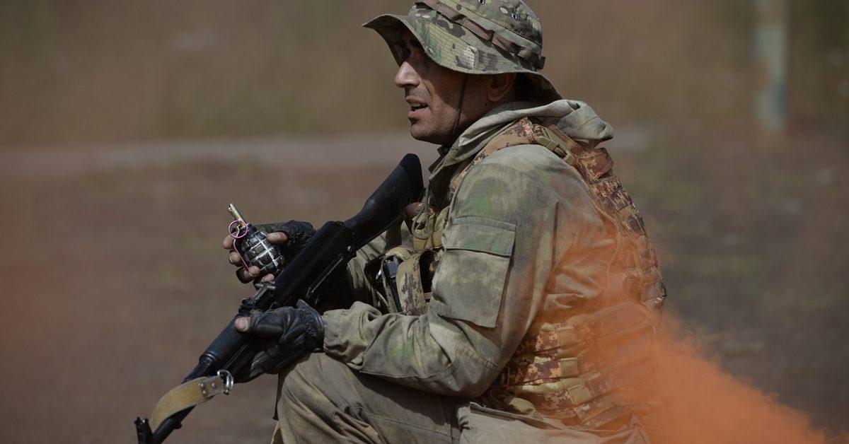 Война Армении и Азербайджана: стороны заявили о сотнях жертв и новых провокациях