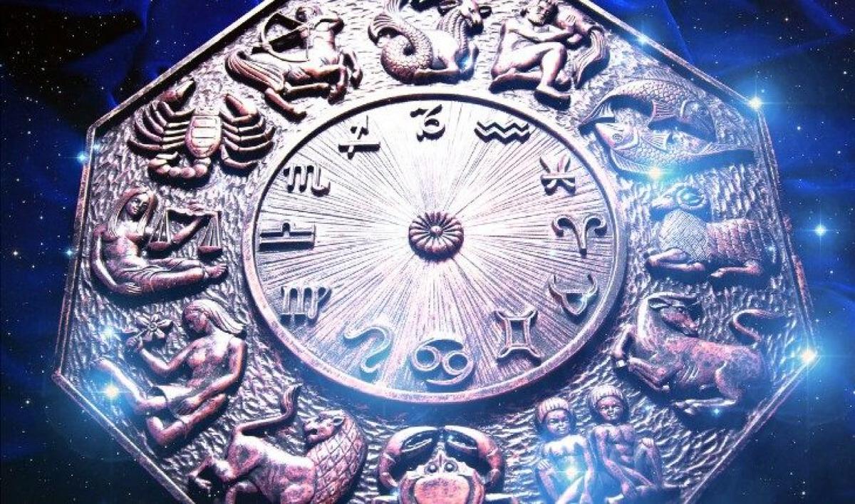 Кого из знаков Зодиака ждут сюрпризы в 2021 году: астрологи предсказали, к чему готовиться