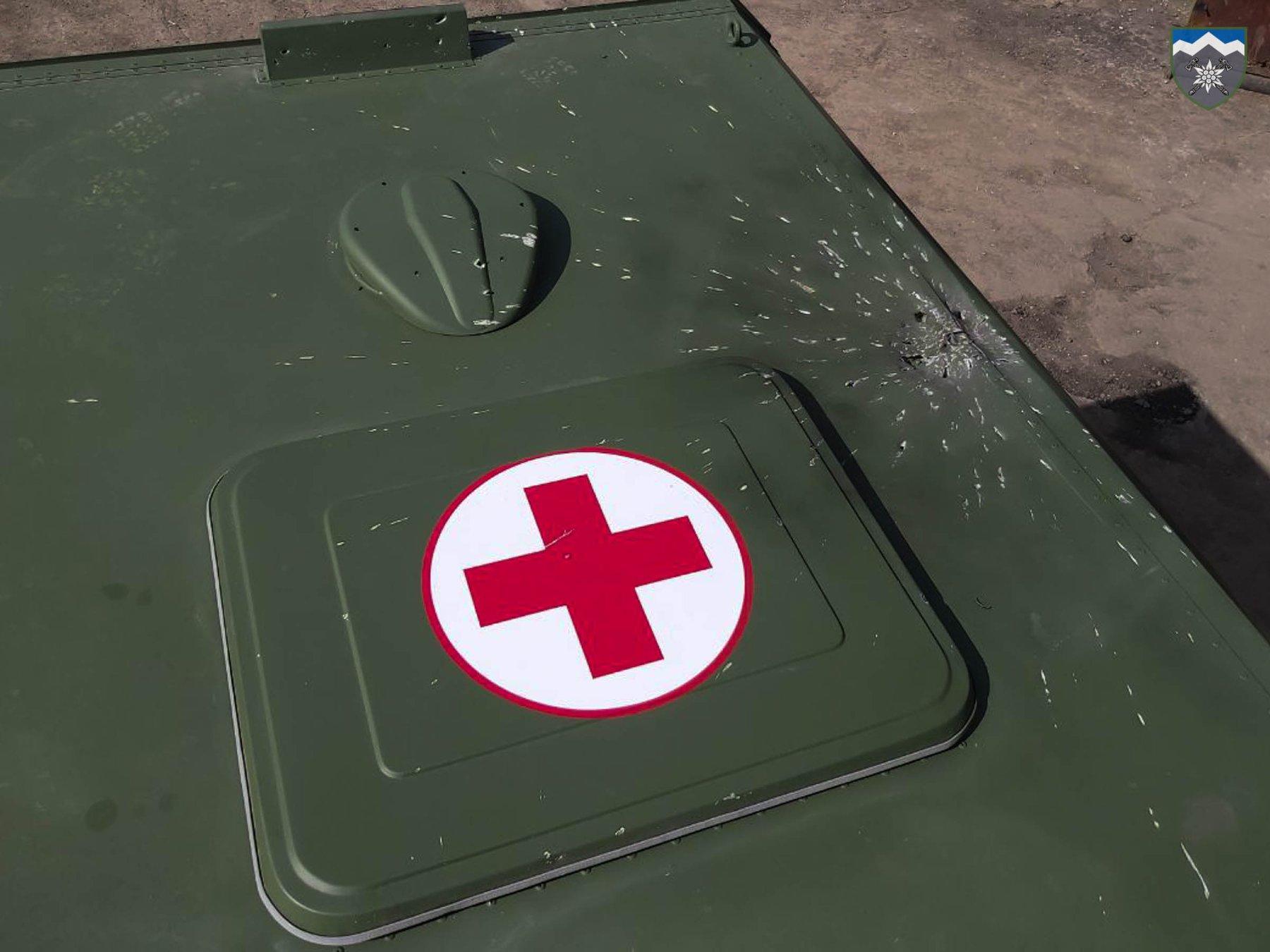 На Донбассе боевики обстреляли из беспилотника санитарную машину, детали