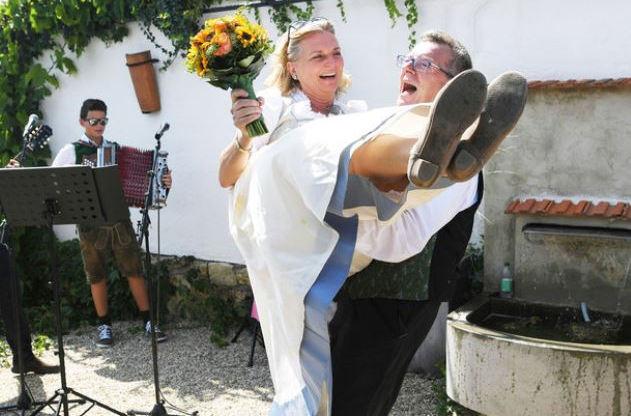"""Неслучайный союз: у новоиспеченного мужа главы МИД Австрии Кнайсль нашлись тесные связи с """"Газпромом"""""""