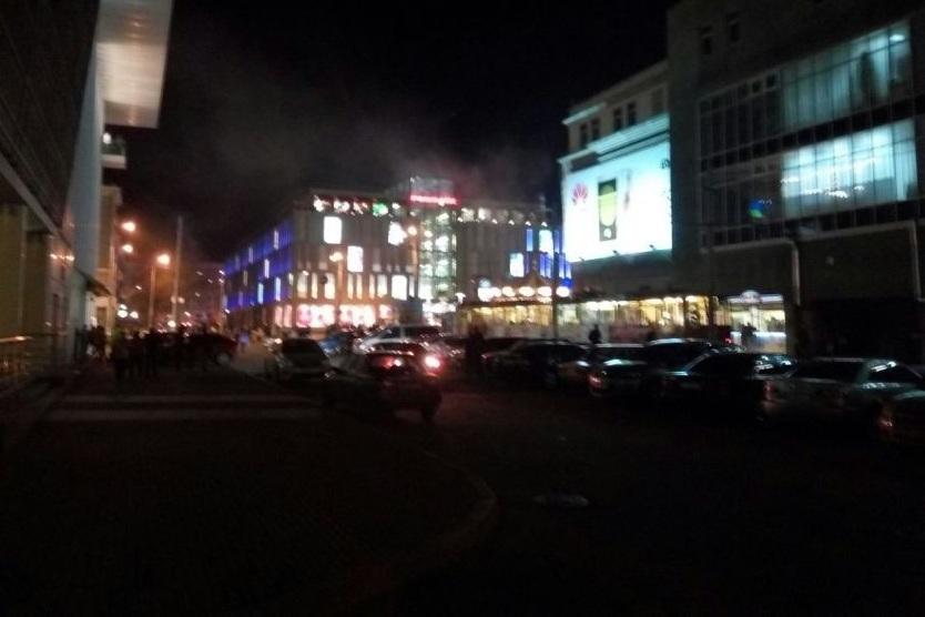 """В центре Днепропетровска горит """"Пассаж"""": идет срочная эвакуация"""