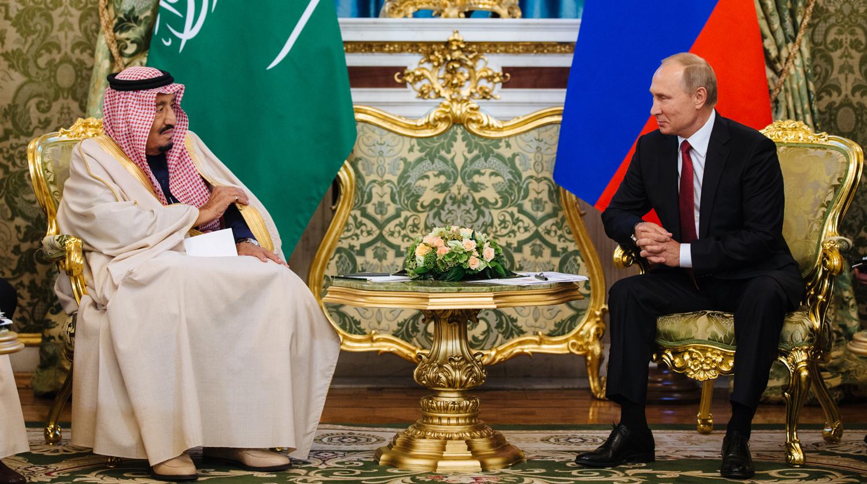 """Новая нефтяная """"война"""" Саудовской Аравии и России: в S&P Global Ratings назвали сроки"""