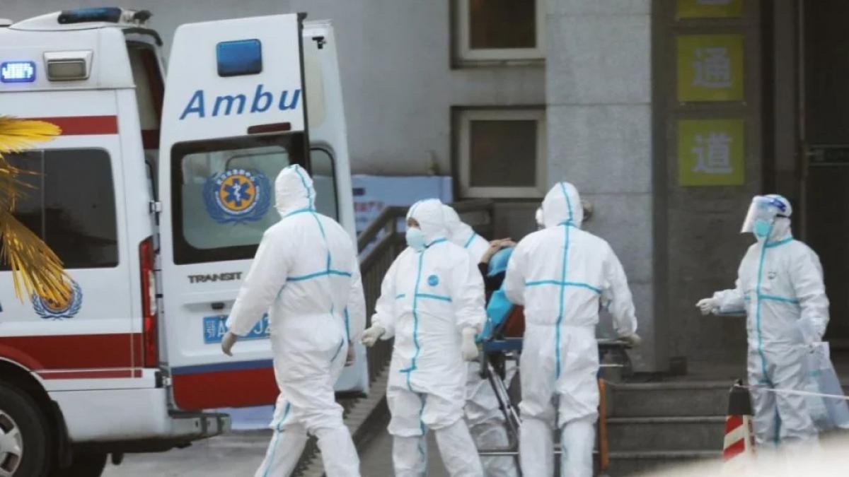 Коронавирус наступает к границам Украины: в Кракове госпитализировали мужчину с подозрением на заболевание, детали