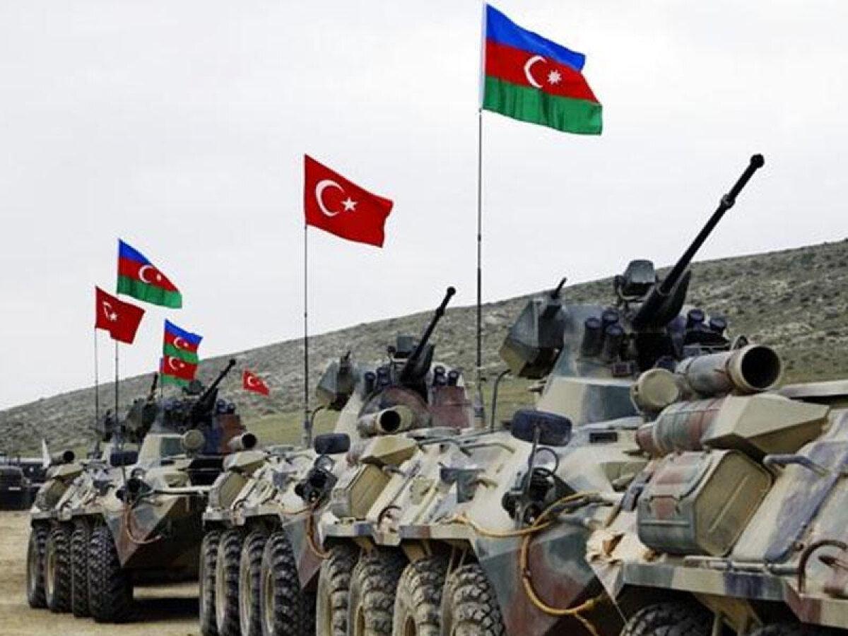 Россия пытается сдержать переброску военных Турции в Карабах: в Азербайджане отреагировали резко