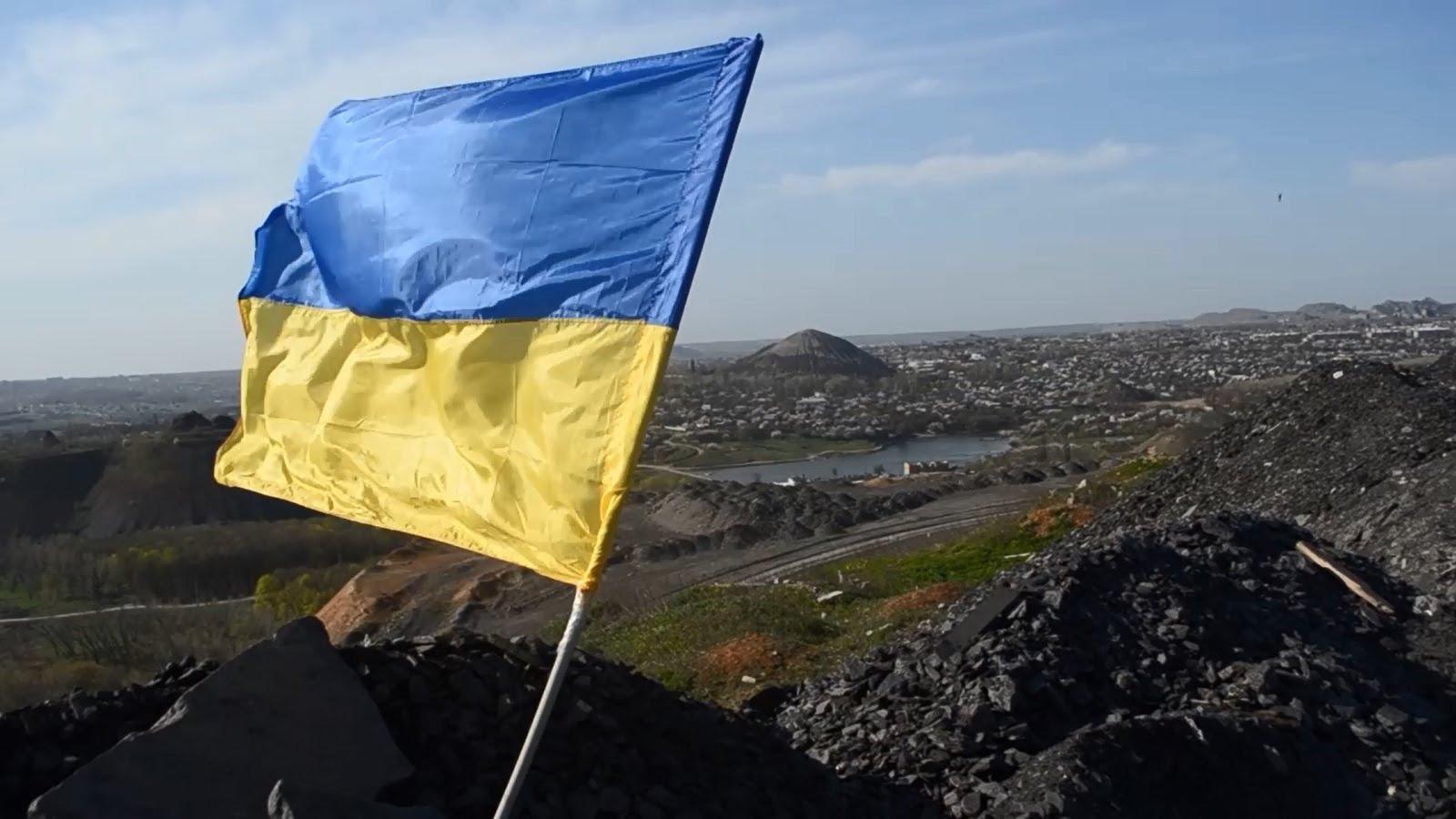 """Когда в оккупированном Донецке будет украинский флаг: что на самом деле думают жители """"ДНР"""""""