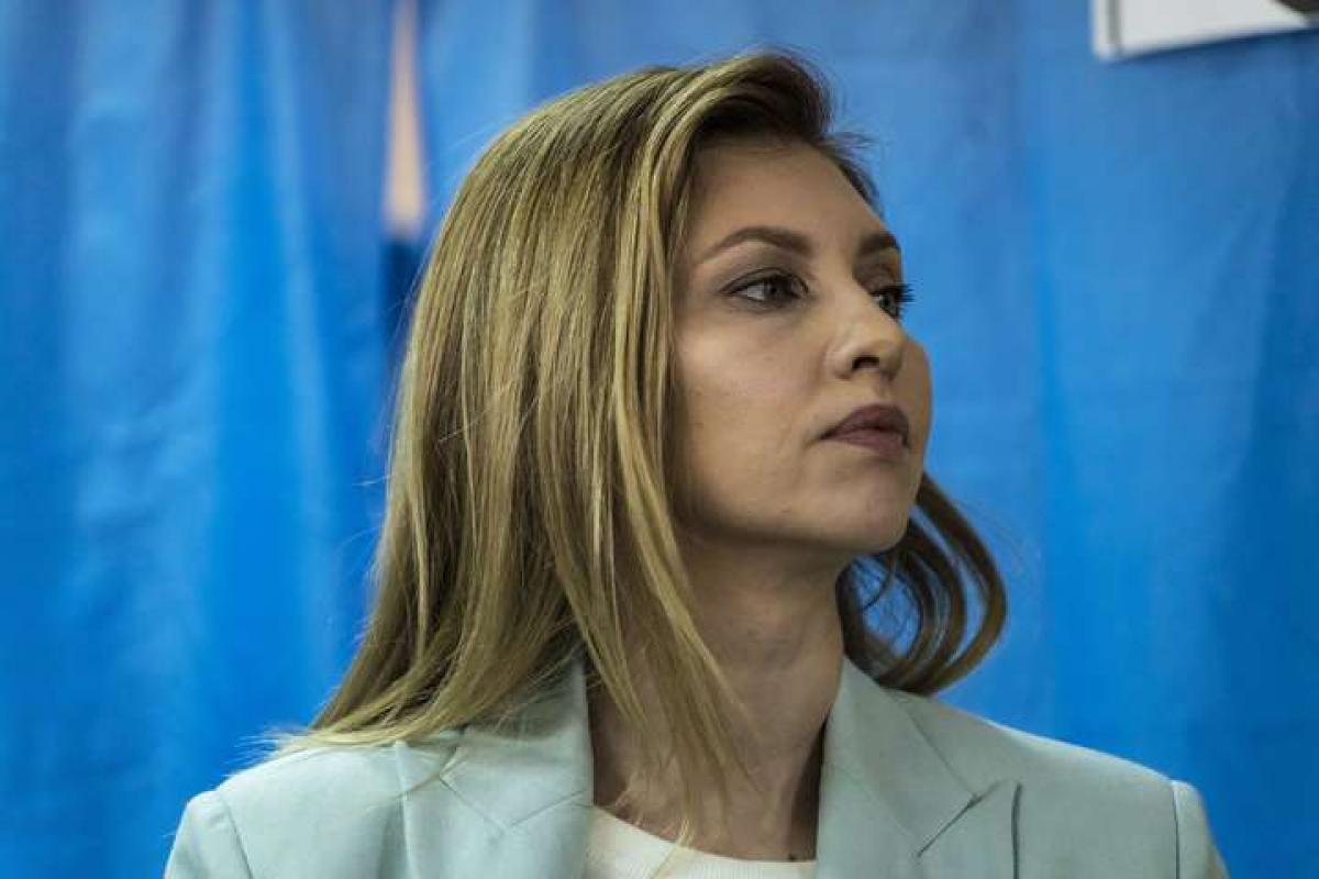 Инфицированная коронавирусом Елена Зеленская обратилась к врачам с заявлением