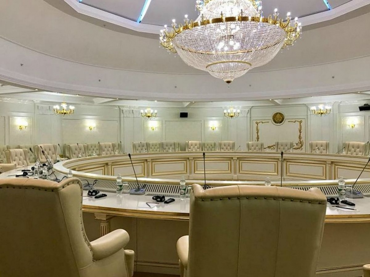 Прямые переговоры Украины с ОРДЛО: Вятрович и Вакарчук резко отреагировали