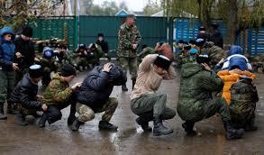 СМИ показали видео, как российские оккупанты учат крымских детей делать взрывчатку