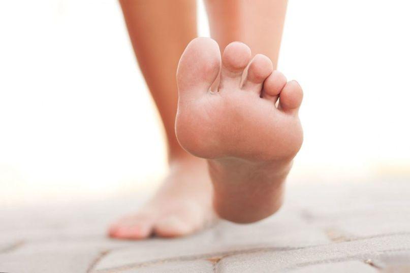 Ортопед поделилась полезными упражнениями для здоровья ног и профилактики плоскостопии