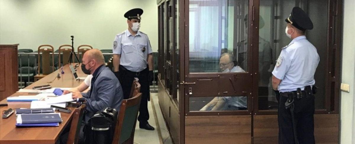 """Экс-доцент Соколов устроил истерику в зале суда: """"Вы не знаете всей правды"""""""