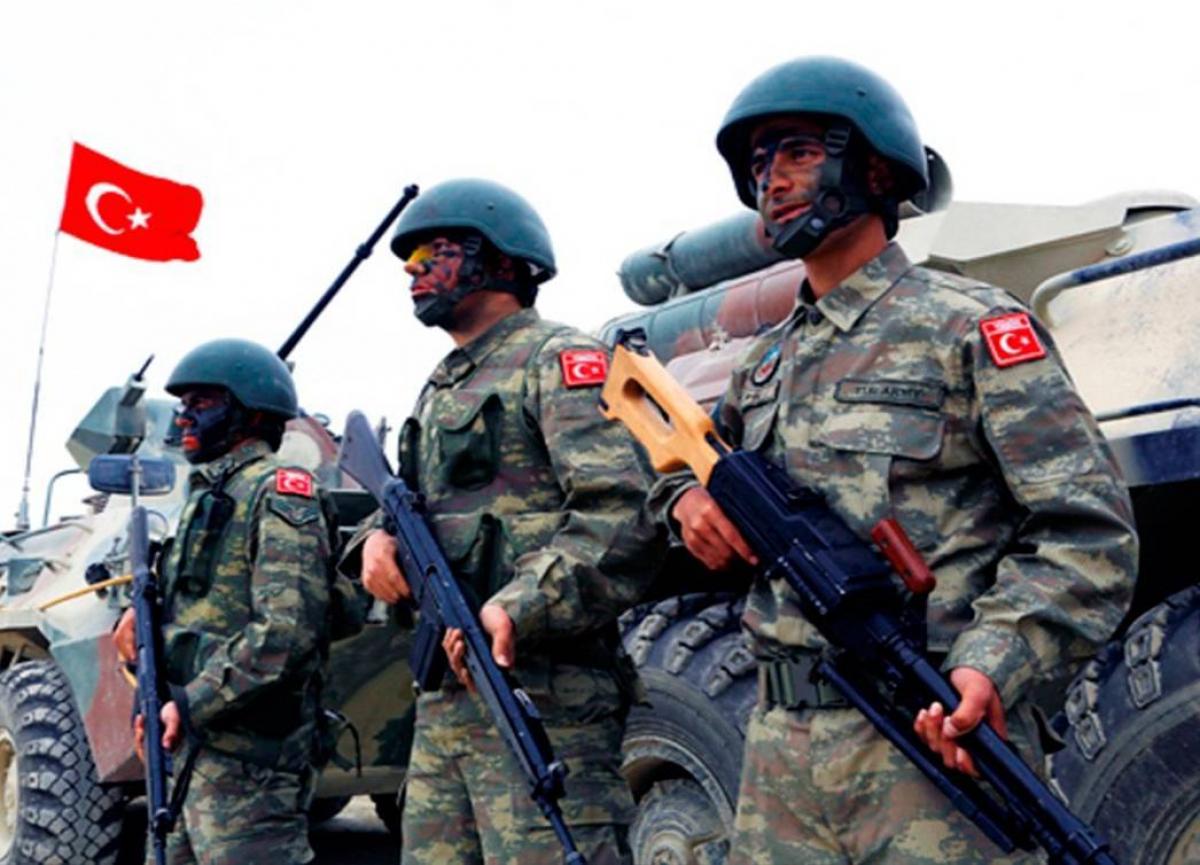 Турция начала полномасштабное наступление в сирийском Идлибе, сотни танков и БТР идут в атаку