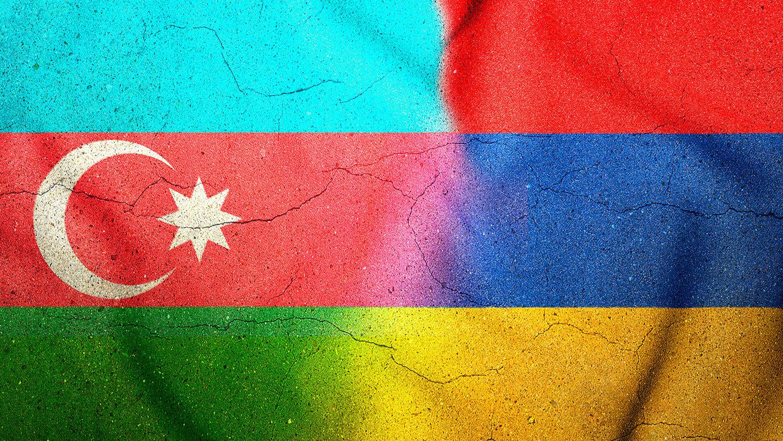 На границе Армении и Азербайджана началась перестрелка – есть погибшие, стягивают танки