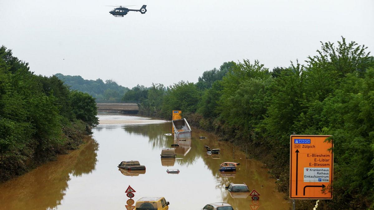 Германия на фоне наводнения столкнулась с еще одним бедствием