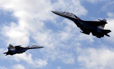 Россия - США: мы ни в чем не виноваты, это ваш самолет - разведчик RC-135U пытается подкрадываться к нашей границе