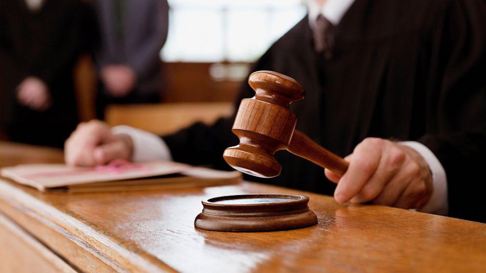 Судьи снова отказались рассматривать иск о запрете КПУ