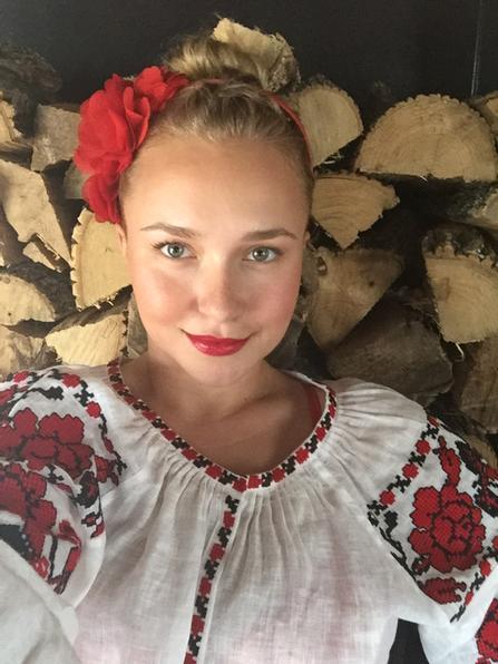 Хайден Панеттьери, владимир кличко ,украиснкий национальный костюм, общество, день святого валентина, праздник