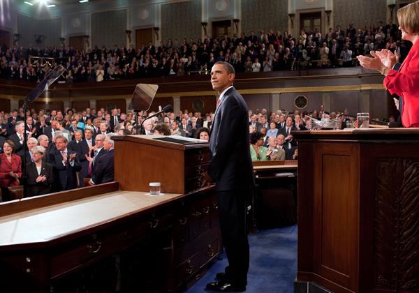 Сенаторы США подталкивают Обаму к оказанию военной помощи Украине