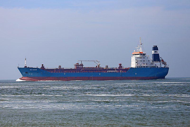 Впервые за два года: в Украину идут два танкера с бензином А-95 из Греции и Румынии