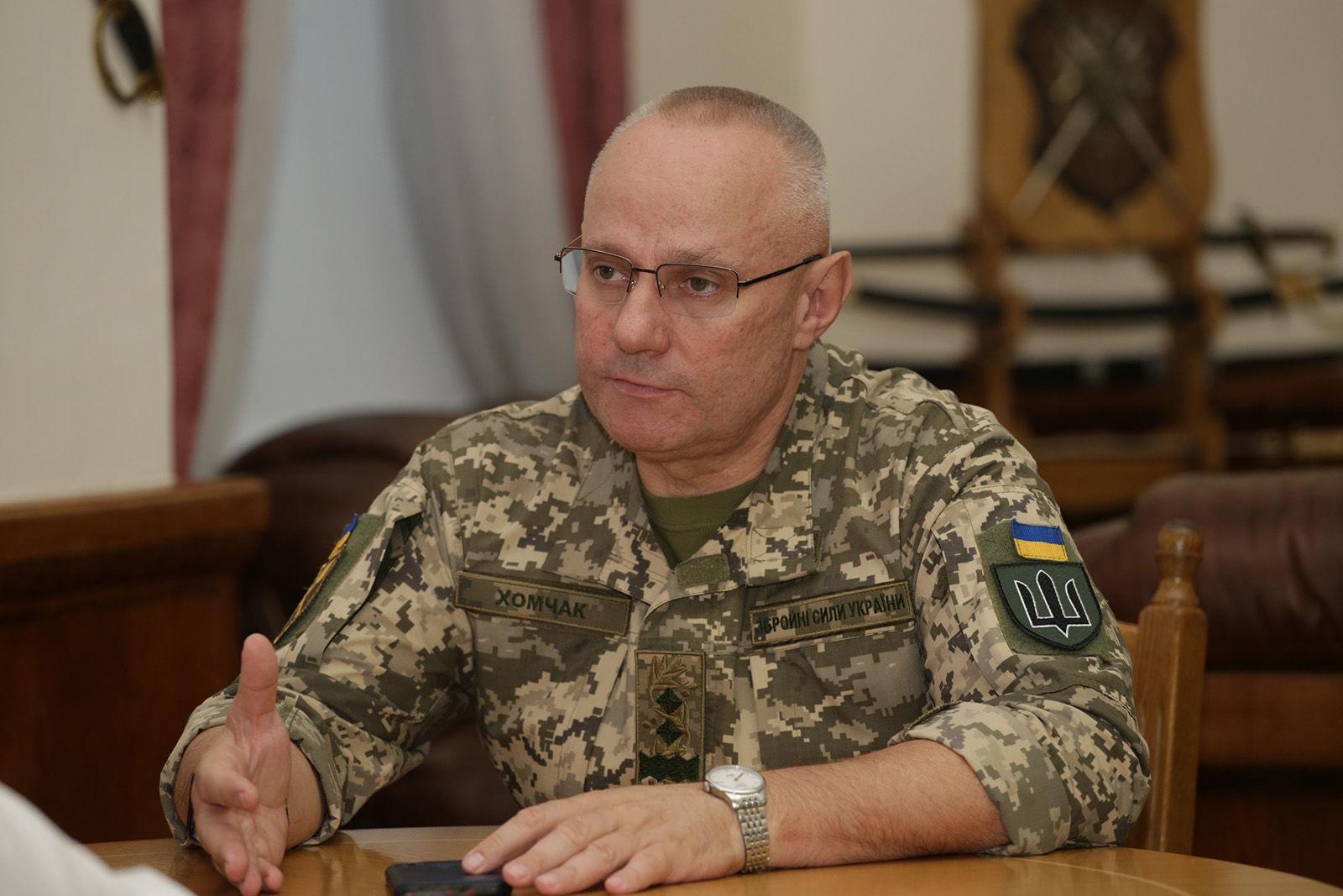 Хомчак уходит: Зеленский отправил в отставку Главнокомандующего ВСУ за конфликт с Тараном
