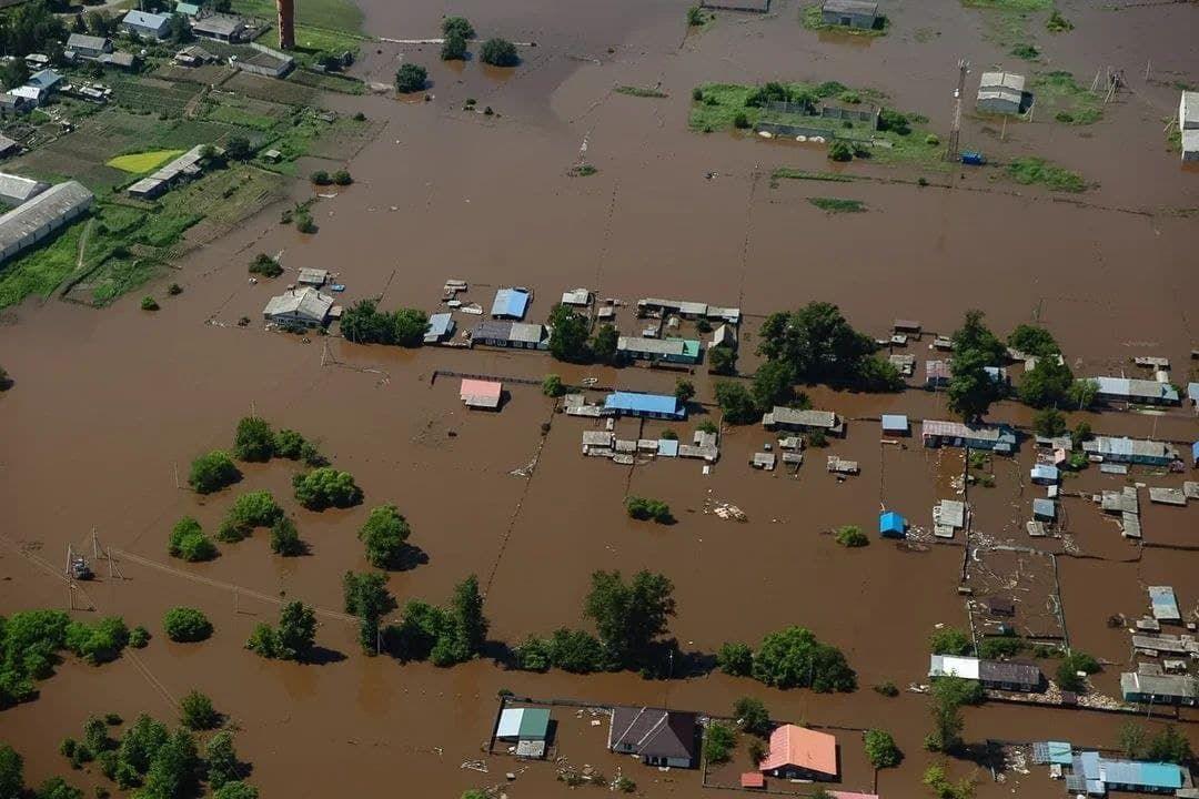 Вода идет из Китая: появилось видео потопа в Благовещенске - затоплены десятки домов