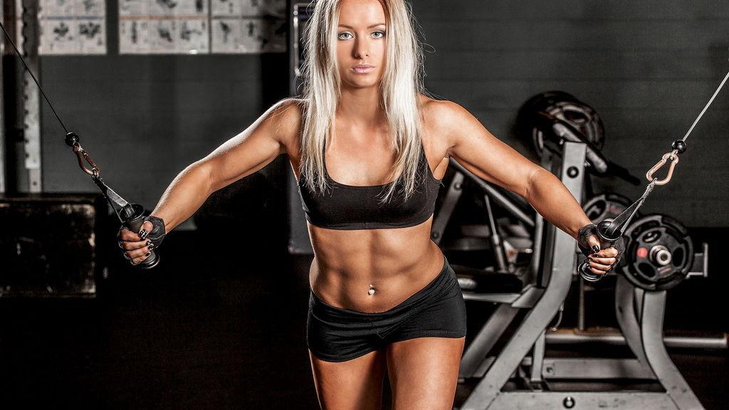 Советы от фитнес-тренеров: как следует тренироваться для общего здоровья, похудения и наращивания мышц