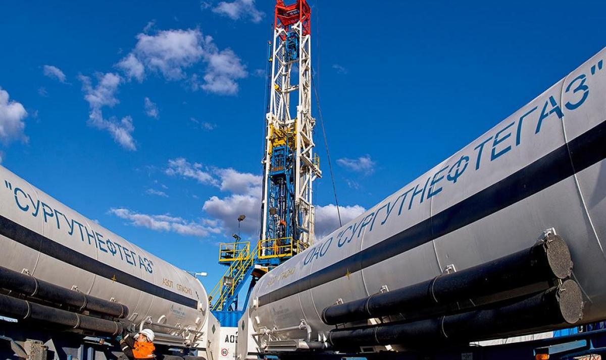 """Самый богатый нефтяной концерн Путина """"Сургутнефтегаз"""" заявил о """"катастрофе"""" – потеряли сотни миллиардов"""