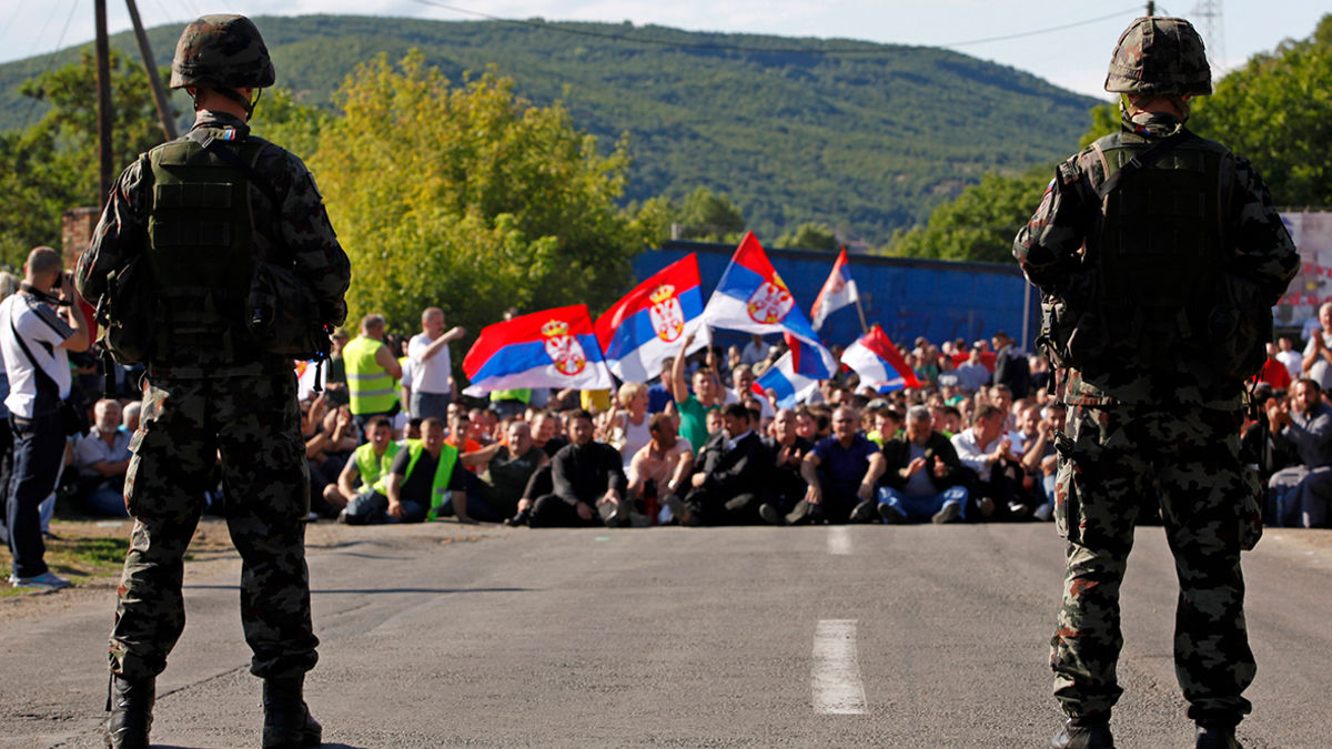 Сербские истребители J-22 Orao у границ Косово попали на видео