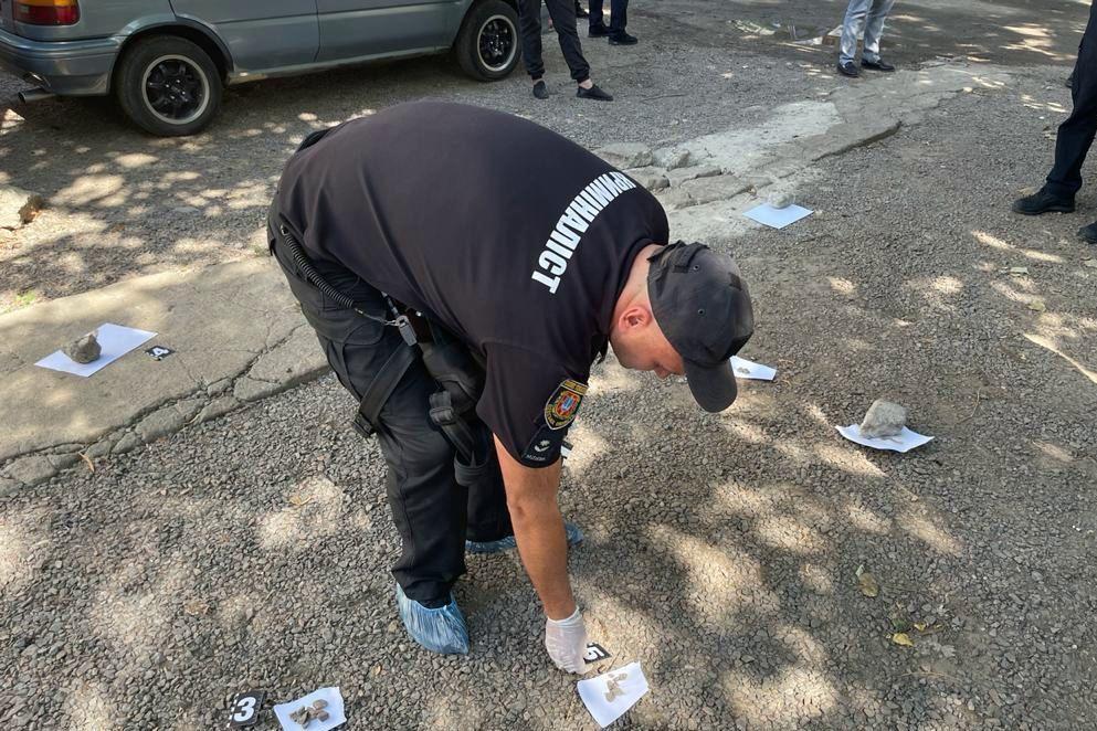 """Стрельба в Одессе: во дворе дома расстреляли мужчину – введен план """"Сирена"""""""