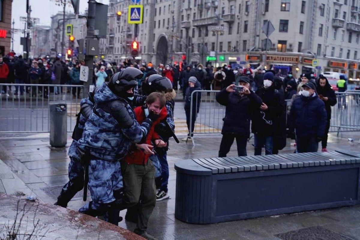 """""""Тревожные признаки"""", - Госдеп США экстренно высказался о протестах в РФ, Кремлю сделано предупреждение"""