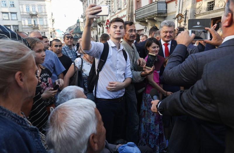 порошенко, украина, львов, общество, популярность