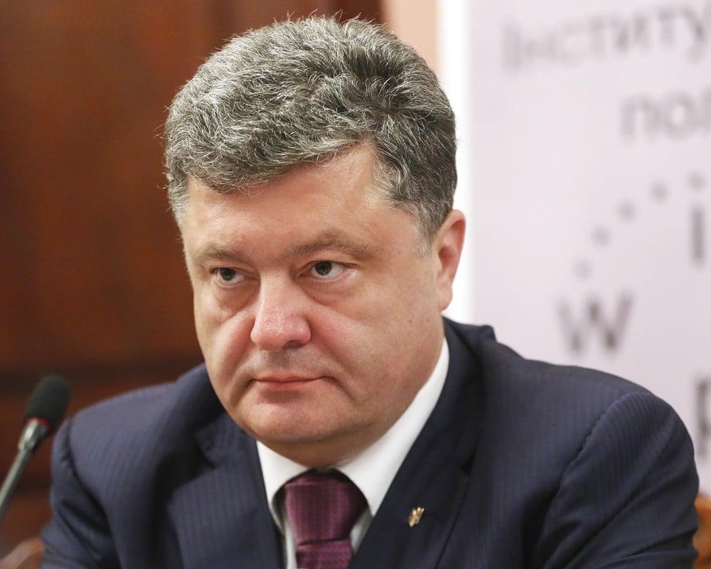 Мывсе должны приложить максимум усилий, чтобы разоблачить русский маскарад— Порошенко