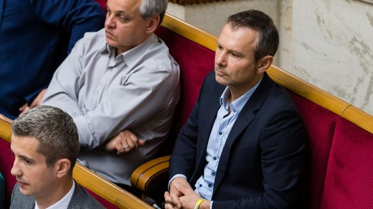 """Нусс дал совет Вакарчуку после ухода из Рады: """"Это было бы справедливо"""""""