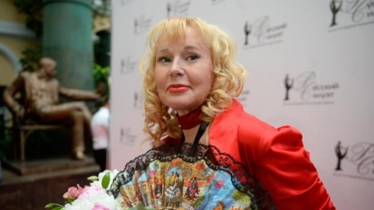 После инсульта знаменитая актриса Кондулайнен еле ходит и не может говорить: кадры