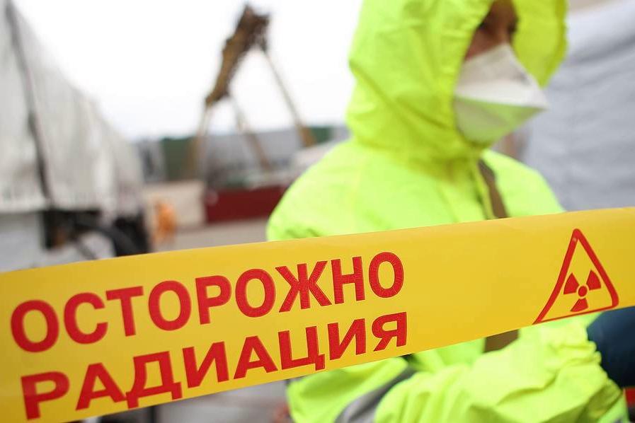 В Северодвинске, где взорвалась база флота РФ, зашкаливает радиация, - граждане напуганы, бегут из города