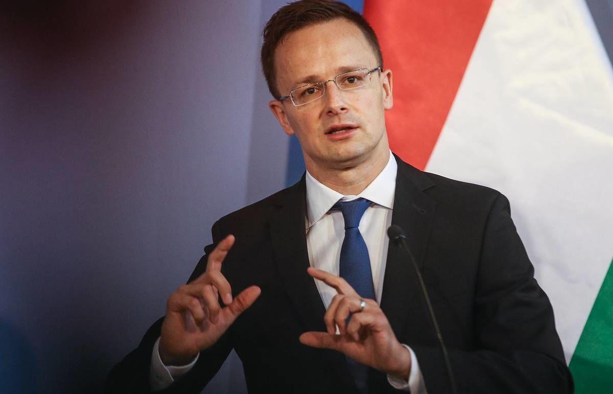 """Венгрия возмущена позицией Украины по контракту с """"Газпромом"""": Сийярто сделал заявление"""