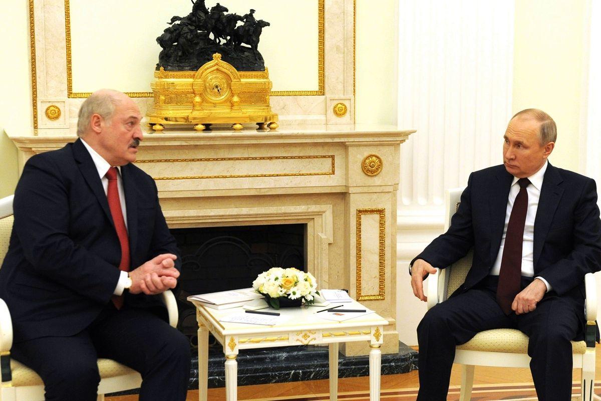 Лукашенко отказал Кремлю в военной базе в Беларуси: после Крыма с Путиным не хотят иметь дела