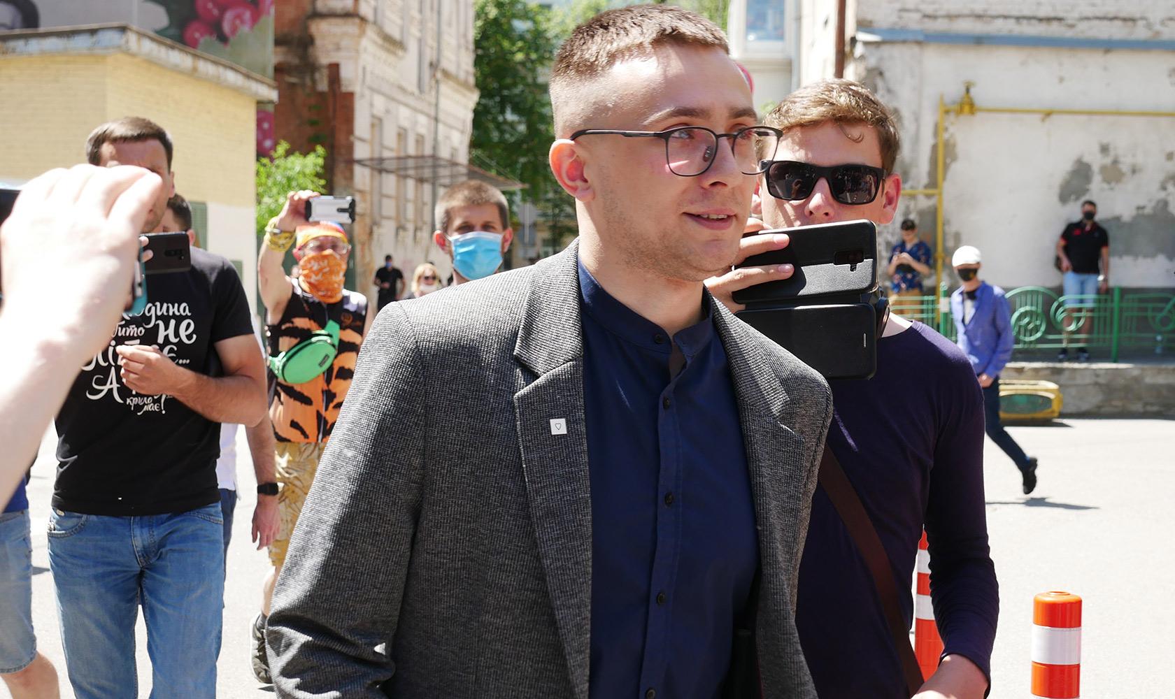 """Стерненко в клочья разорвал решение киевского суда о его аресте: """"Вы превзошли самих себя"""""""