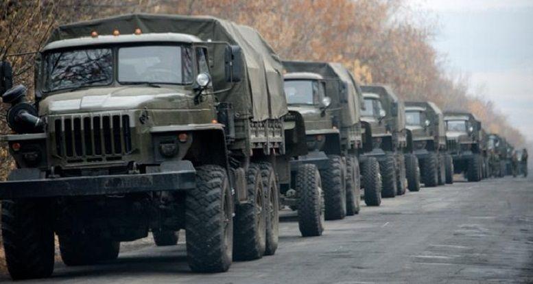 """Луганск заполонили российские офицеры: """"ЛНР"""" готовится к большой войне, сепаратистов свозят на позиции"""