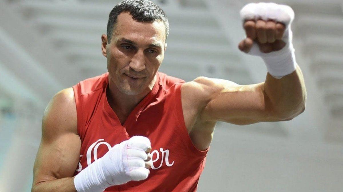 45-летний ветеран бокса Кличко решился на финальный бой своей карьеры:  озвучено имя первого соперника