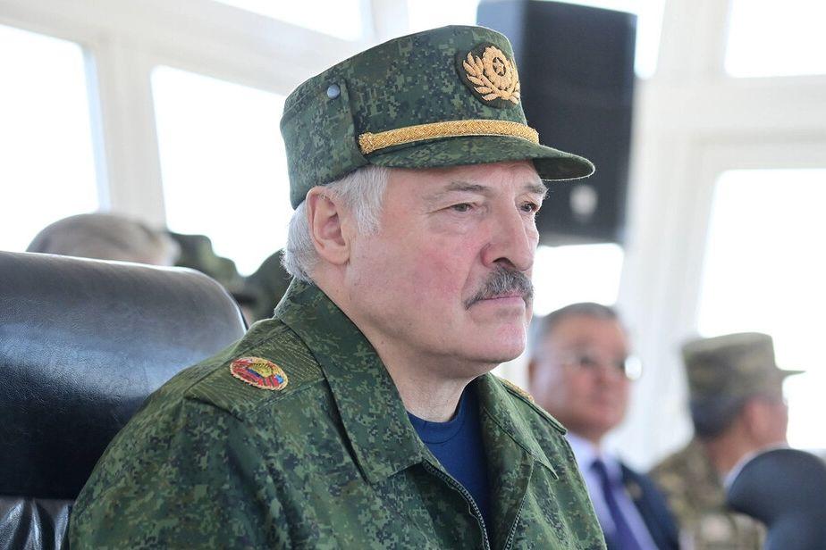 """Лукашенко позволил Путину переброску С-400 на границу Украины: """"Мы должны готовиться"""""""