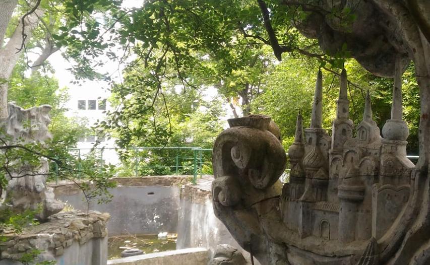 """Зона запустения под названием """"Зато Крымнаш"""": блогер показала, что оккупанты сделали с самым популярным санаторием в Ялте - кадры"""