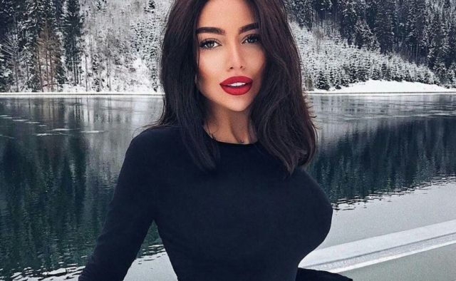 Алена Омович, модель, знаменитость, фигура, грудь, соцсети,комментарии, общество, Кардашьян, Украина, Киев, девушка, сенсация
