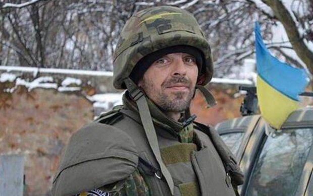 Боец АТО Руслан Сивирский погиб в ДТП на Киевщине: девушка-водитель не заметила военного на дороге