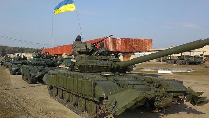 В Украине хотят ввести военный налог и сократить зарплаты госслужащим