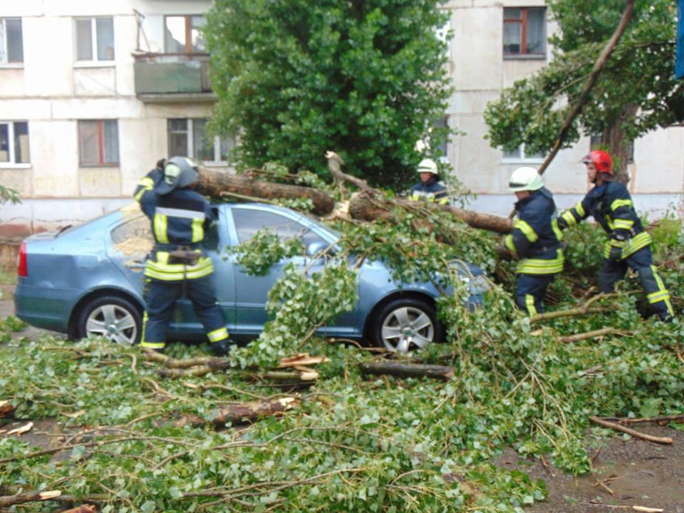 """""""Думали  это реальный конец света"""": ураган и ливни переполошили Донбасс, есть пострадавшие - кадры"""