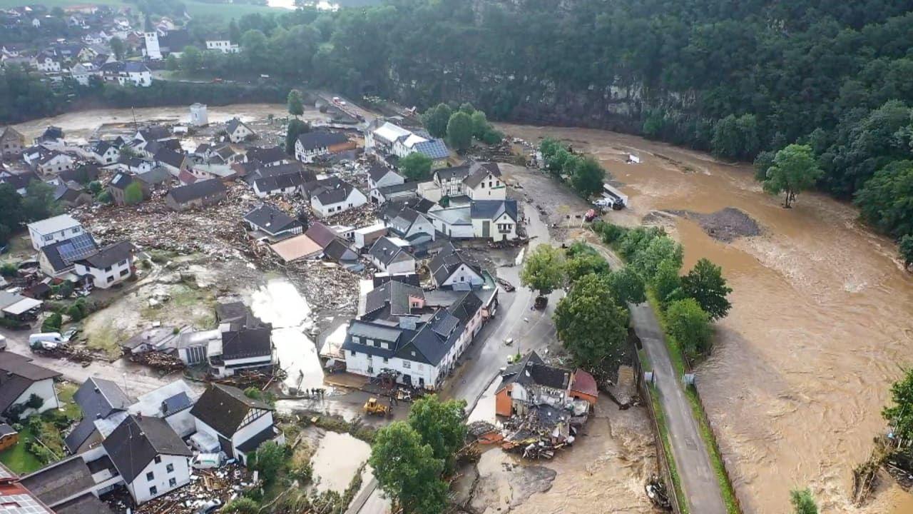 Более 1 тыс. человек пропали в Германии после масштабного наводнения