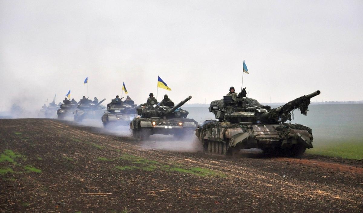 """Танковое подразделение ВСУ расстреляло два автобуса с пехотой """"ДНР"""": были подорваны около 100 боевиков"""