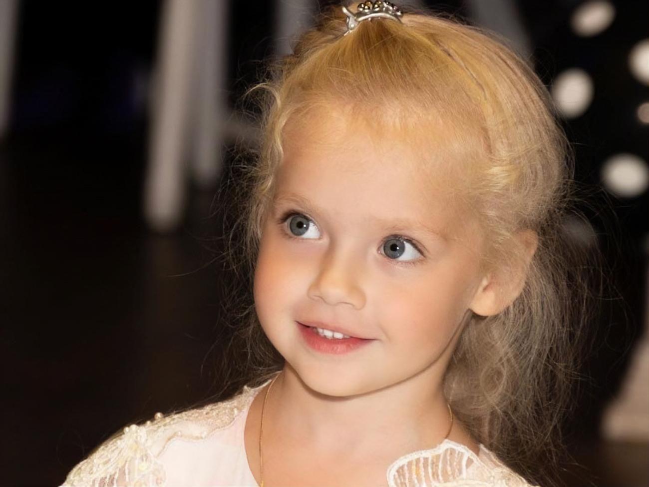"""""""Вот почему Алла остается молодой"""": дочь Пугачевой Лиза превратила обычное дело в шоу"""