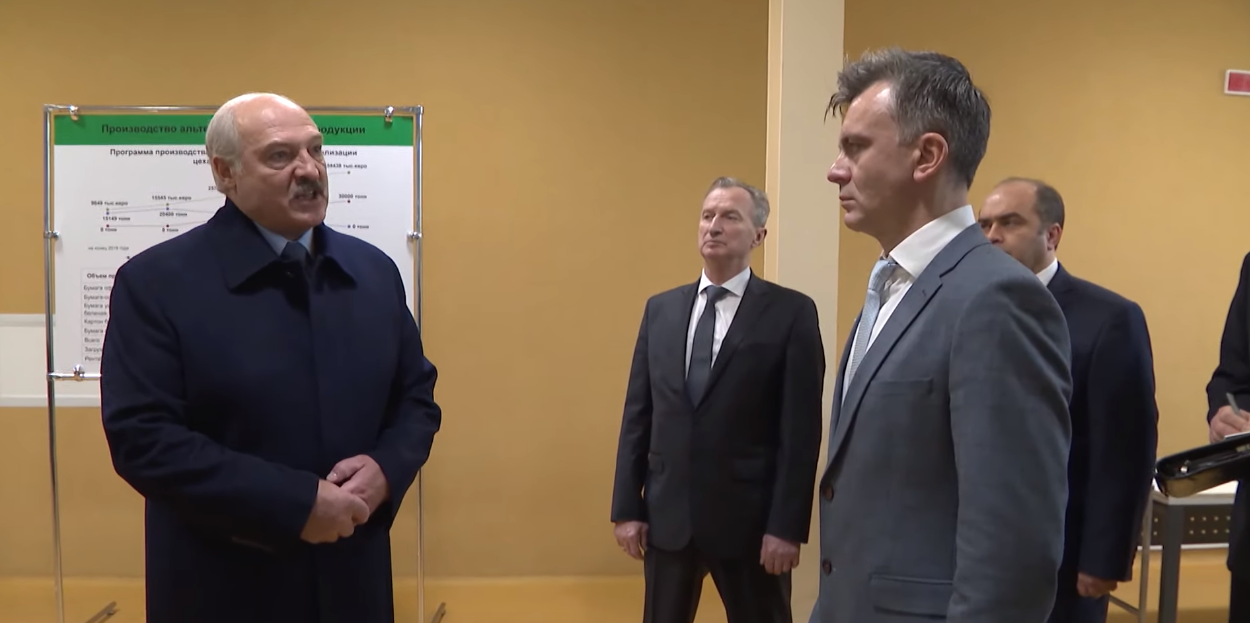 """""""Нас ра**м поставили, а мы боимся страну защитить"""", - Лукашенко """"разнес"""" чиновников в Беларуси"""