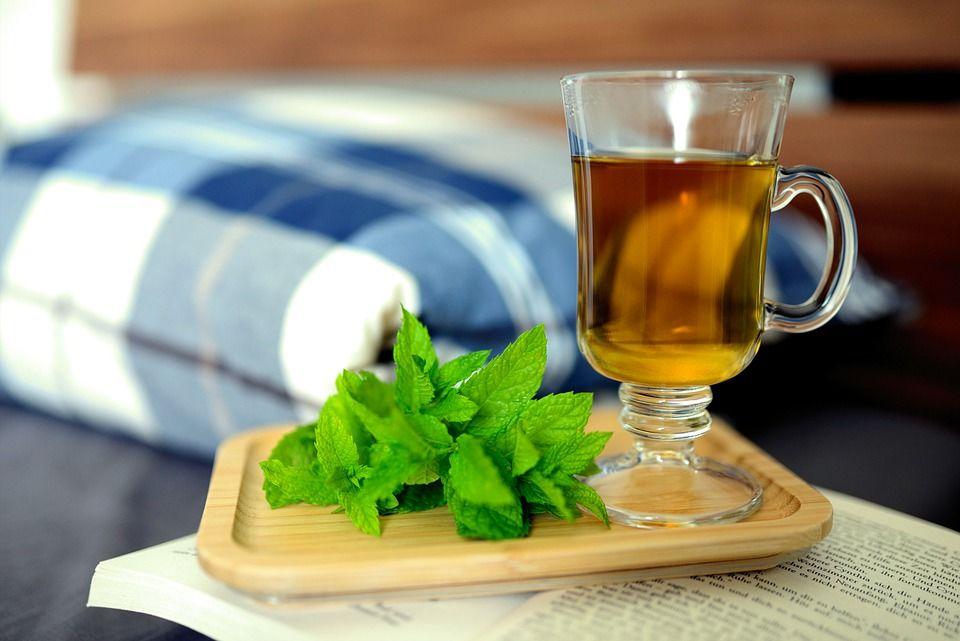 Диетолог рассказала об идеальном чае перед сном для желающих похудеть